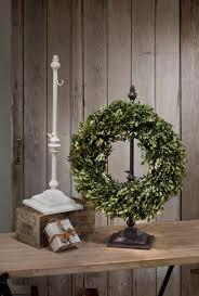 adjustable wreath stands