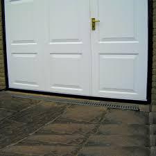 garage door draught excluder brush seal 2500mm 2 x 1250mm lengths