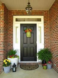 Porch Design Ideas You Can Not Only Grow Flowers In Planters But Also Put Them In A Door Wreath