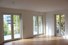 Bodentiefe Fenster In Altbau 3 Zimmer Wohnung Zu Vermieten