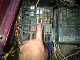 engine monitoring system fuse box was melting when i measured the wire it was 6mm squared and not 8mm squared so now i need to replace the wire from the alternator to the fuse