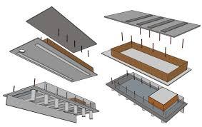 Um térreo livre com grandes portas de vidro deslizantes e que sustenta uma caixa de madeira delimitada por lajes de concreto. Casa Toblerone Franchi Lara Fadu Unl
