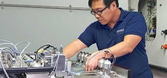 Calibration Technicians On Site Services Brooks Instrument