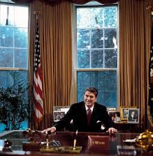 ronald reagan oval office. President Ronald Reagan At His Desk In The Oval Office, Washington, D.C. Office V