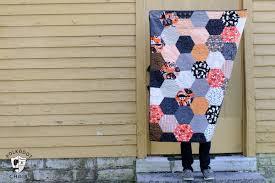 Large Hexagon Quilt Tutorial - The Polka Dot Chair Blog & Halloween Hexagon Quilt ; DIY project and cute Halloween decoration Adamdwight.com