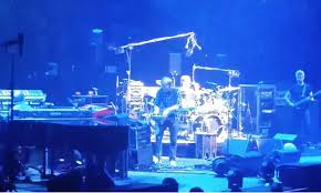 watch phish cover radiohead s everything in its right place at madison square garden