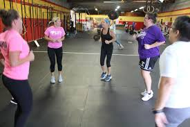 people doing a workout at crossfit renaissance