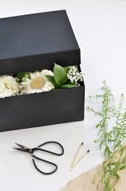 how to make a boxed flower gift