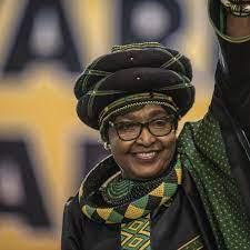 وفاة ويني الزوجة السابقة لنيلسون مانديلا عن 81 عاما