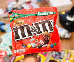 Kẹo socola mm mỹ nhân bơ đậu phộng, giá chỉ 280,000đ! Mua ngay kẻo hết!