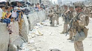 أفغانستان: سقوط عدة قتلى قرب مطار كابول مع استمرار عمليات الإجلاء الفوضوية