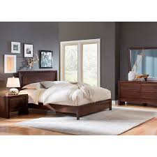 Wakefield 5 piece Queen Bedroom Set