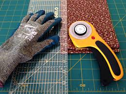 tools for cutting fabric into strips for rag rugs