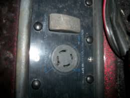 perplexed by batteries 24v system draw in basscat boats forum the receptical has two 12 volt circuits which can be verified a volt ohm meter then you have a trolling motor plug that looks like this