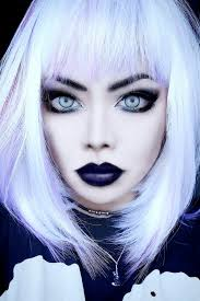 nu goth pastel goth makeup looks so nice suits me and love the black lips