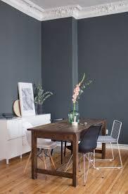Ein Hübsches Blau Grau Als Wandfarbe Im Schlafzimmer Www Kolorat De