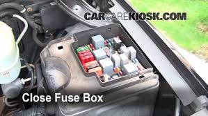 blown fuse check 2000 2006 gmc yukon xl 2500 2002 gmc yukon xl 6 replace cover secure the cover and test component