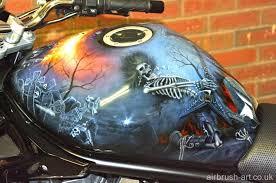 custom paint skull theme on suzuki bandit airbrush art custom motorcycle paint