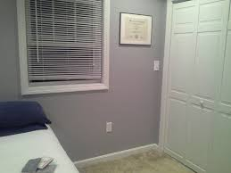 which color carpet with gray walls