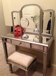 Vanity Tables Tips Vanity Makeup Table With Lighted Mirror Makeup Vanity