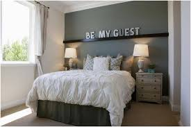 small guest bedroom. Exellent Bedroom How To Arrange A Small Guest Room Bedroom