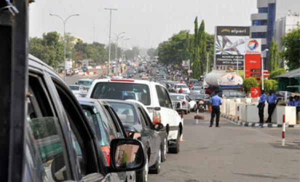 BREAKING: Protesting IDPs block Benue-Nassarawa highway over Herdsmen killings