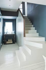 Wir wünschen ihnen viel spaß beim renovieren, gestalten und dekorieren. Flurgestaltung Ideen Welche Wandfarbe Fur Flur 30 Wohnideen