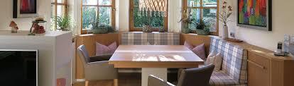 Modernes Esszimmer Mit Lederbank Und Holztisch Ausziehbar
