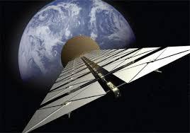 Пять важнейших космических проектов Солнечный парус это огромное зеркало как правило из майлара перехватывающее импульс