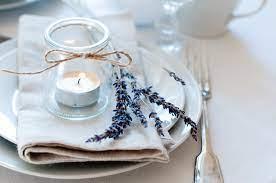 Tanto para a mesa de doces quanto para as mesas que receberão os convidados. Como Decorar A Mesa Da Refeicao Na Casa Do Cliente