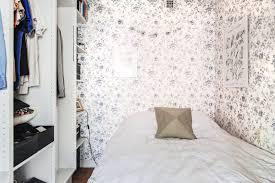 Kleine Vintage Slaapkamer Met Open Kledingkastinterieur Inrichting