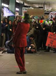splash news joaquin phoenix s joker appears to be the ring leader of a riot in the subway splash news