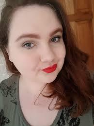 red lip makeup selfie muotd