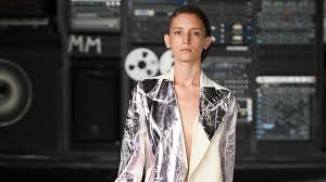 <b>MM6 Maison Margiela</b> Spring 2016 Ready-to-Wear Collection - Vogue