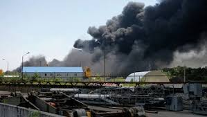 Червоненко пожар под Киевом самая большая катастрофа  Полторак контролирует эвакуацию боеприпасов из в ч возле горящей нефтебазы