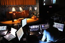 national theatre programmer daniel haggerty working with eos ti for edward ii on the olivier stage