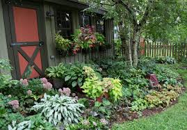 landscape design ideas for shade with small front yard spaces