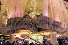 chandelier bar at the cosmopolitan las vegas nv