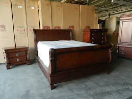 oakwood versailles bedroom furniture. thomasville/winston sleigh bed set oakwood versailles bedroom furniture