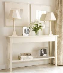 Furniture: Modern White Narrow Console Table Featuring 2 White Table Lamps  And Decorative Glass Vase