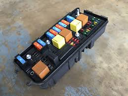 find a saab 9 3 fuse box replacement fuse boxes saab 9-3 1.9 tid fuse box saab 93 9 3 1 8 2 0 turbo b207 under bonnet fuse box p n
