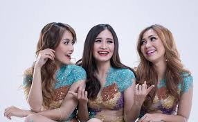 Lirik Lagu Trio Macan - Masa Bodo