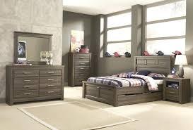 Greensburg King Bedroom Set – jocuri-online