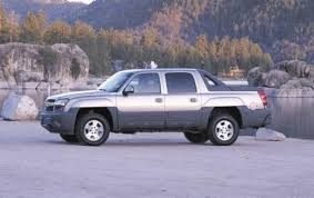 2005 Chevrolet Avalanche - Information and photos - ZombieDrive