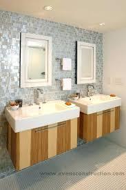 Rental apartment bathroom ideas Stylish Apt Bathroom Decorating Ideas Small Apartment Bathroom Ideas With Tub Modern Small Apartment Bathroom Decorating Ideas Melissadavis Apt Bathroom Decorating Ideas Bathroom Designs Ideas For Small