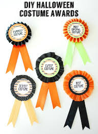Best Halloween Costume Award Diy Halloween Costume Awards With Free Printable Circles Made From