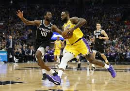 Lakers roll to win over Kings, who show love for Kobe Bryant ...