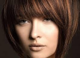 تسريحات شعر بسيطة للوجه النحيف الراقية