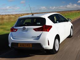 Toyota Auris (E170) review, specs, problems