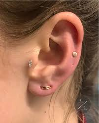 Tragus Piercing Your Guide To The Pain Healing Time And Cost